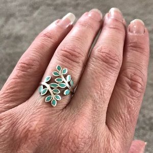 Turquoise inlay leaves bypass ring Sterling Silver